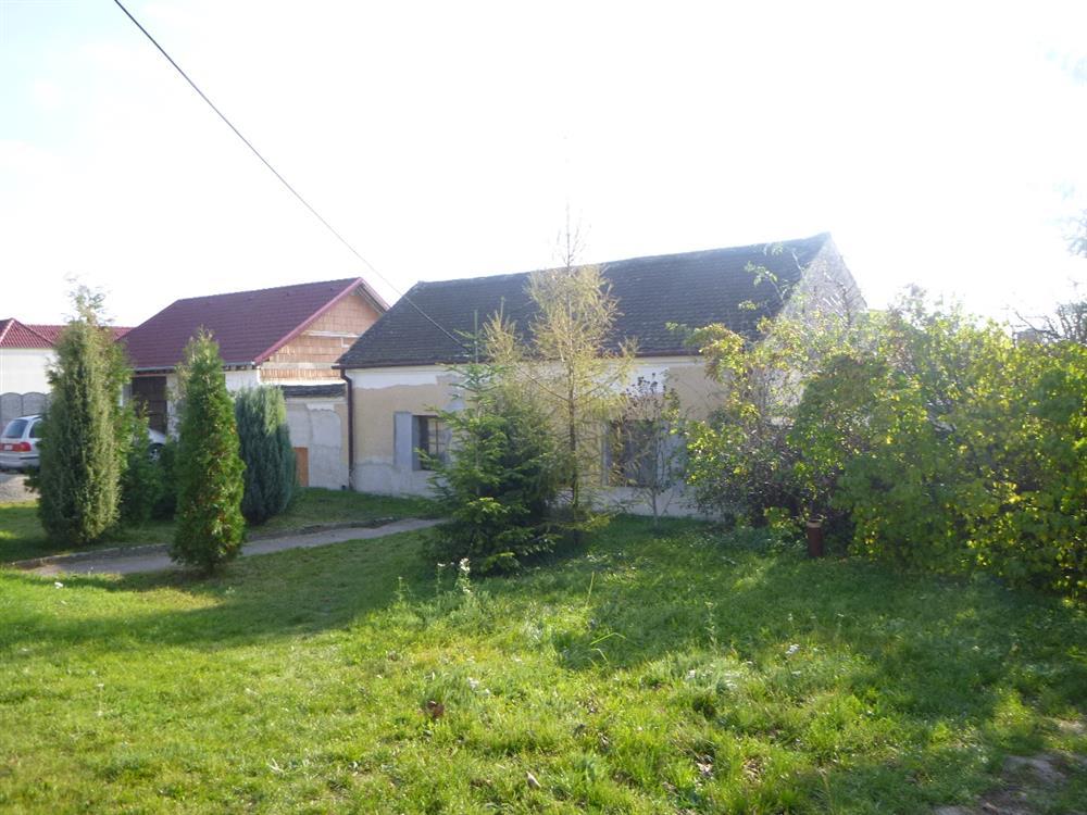 Dražba podílu id. 1/10 na RD se zahradou v obci Litobratřice, okres Znojmo