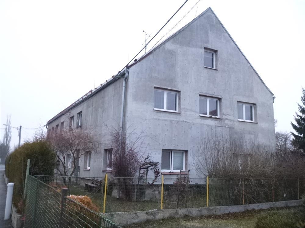 Dražba podílu id. 1/2 na RD se zahradou v obci Útvina, okres Karlovy Vary
