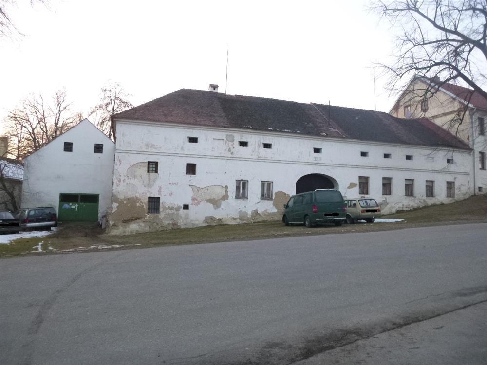 Opakovaná dražba podílu id. 1/2 RD s pozemky v obci Mirkovice, okr. Český Krumlov