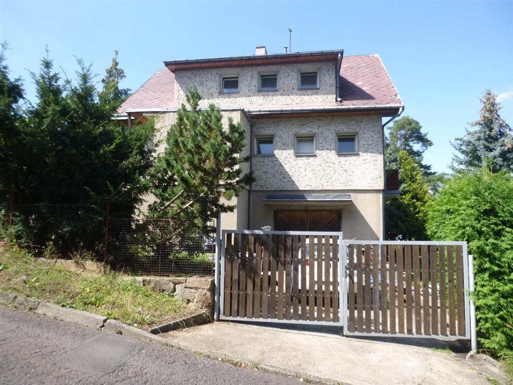Dražba podílu id. 1/10 na RD se zahradou v obci Ústí nad Labem, místní část Bukov