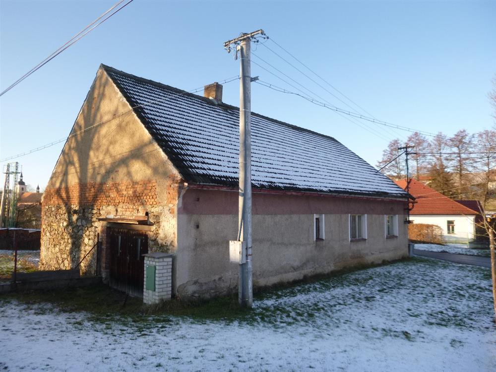Dražba podílu id. 1/4 na zemědělské usedlosti v obci Louňovice pod Blaníkem, okr. Benešov